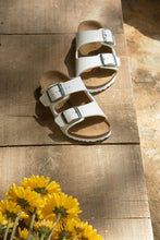 Load image into Gallery viewer, Arizona Classic Footbed