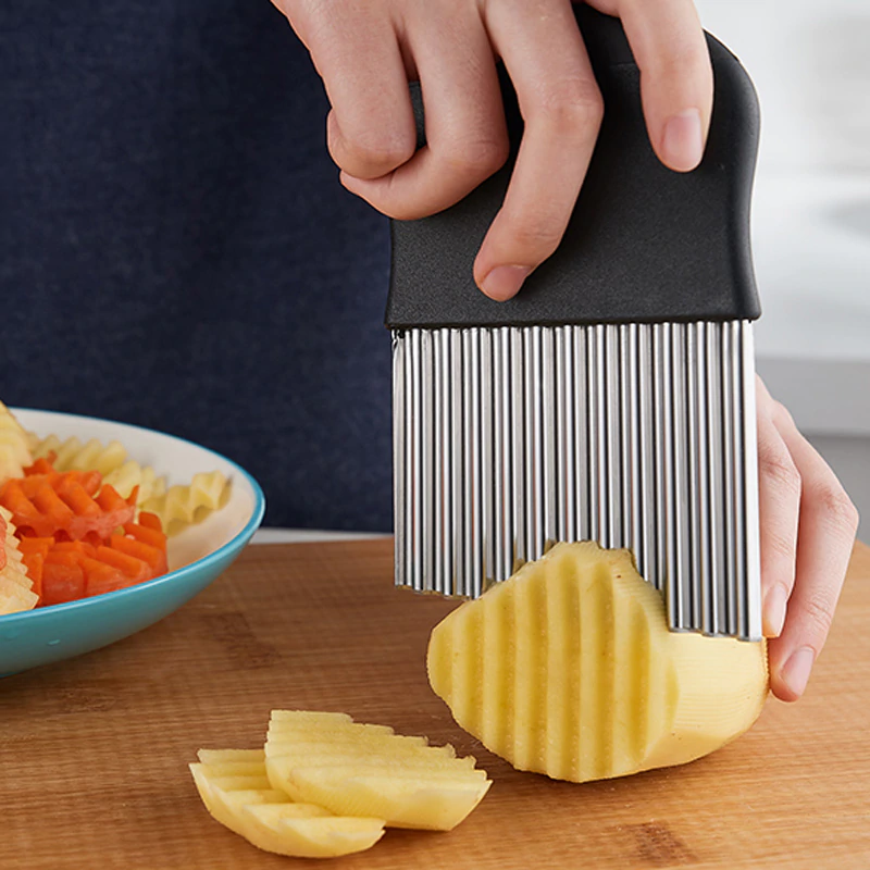 Handy Stainless Steel Crinkle Cut Potato Slicer French Fry Wavy Chips Cutter Potato Slicer Knife Vegetable Shredding Tool Kitchen Gadget Cutting Tools