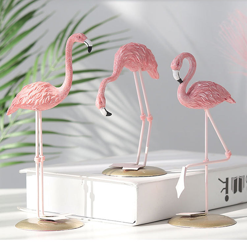 Pink Flamingo Figurine Resin Miniature Animal Ornaments Statues For Home Decoration Wedding Party Valentines Gift Nordic Style Decoration 3 Styles