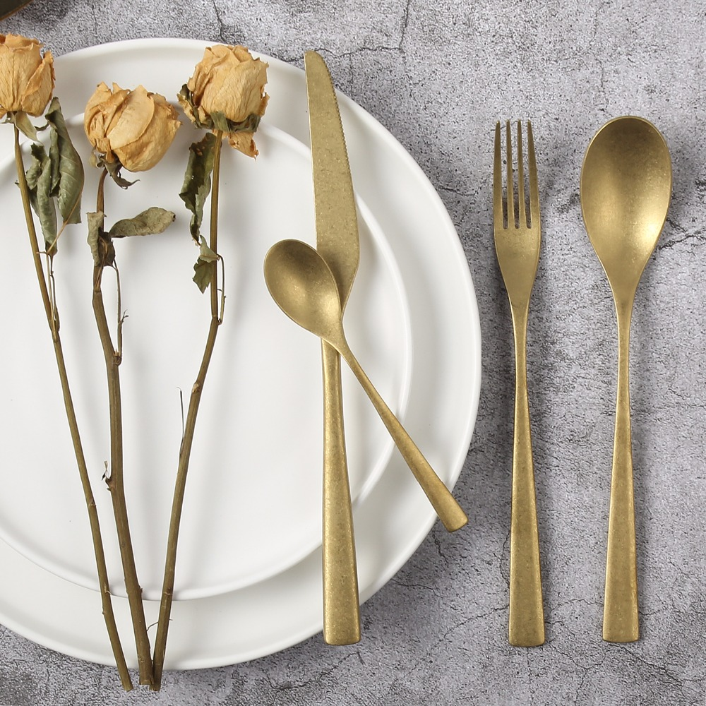 Retro Stainless Steel Cutlery Silver Gold Knife Fork Spoon Dinner Sets Old Fashioned Contemporary Modern Tableware Gold Flatware Restaurant Dinnerware 4Pcsset