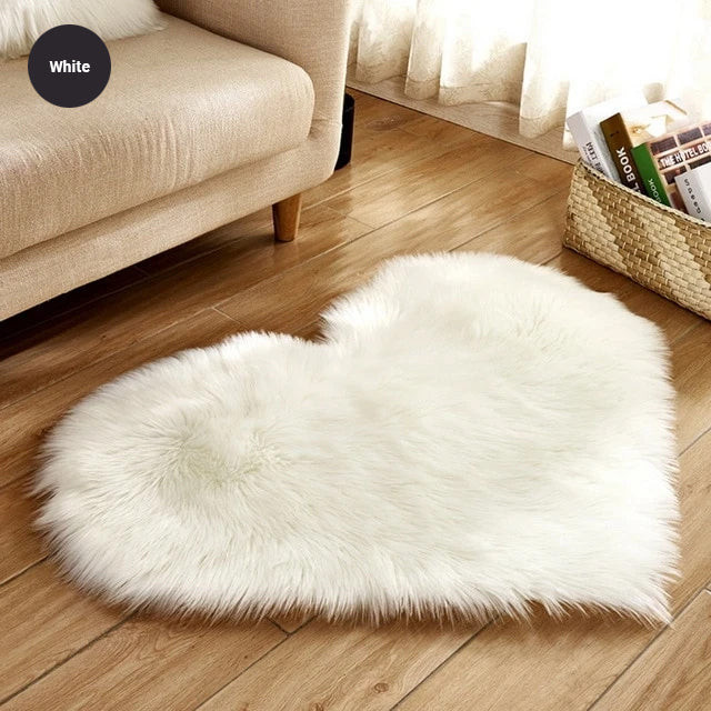 Shaggy Heart Rug Soft Faux Sheepskin Fur Carpet Mat Cute Woolly Fluffy Carpet Rug For Bedroom Living Room Artificial Sheepskin in Sizes S / M / L