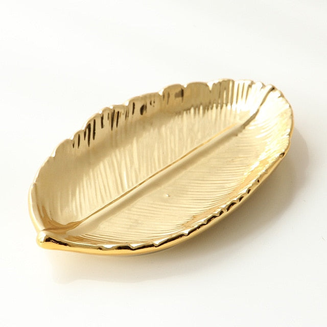 Decorative Golden Porcelain Dish Ceramic Serving Tray For Fruits Desserts Snacks Nordic Style Tableware Luxury Gold Jewelry Tray