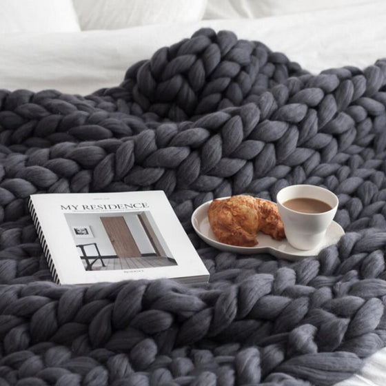 Hand Knitted Thick Chunky Yarn Blanket Sofa Throw Thick Bedspread Blanket Bulky Weighted Cosy Warm Modern Stylish Fashionable Sofa Throw Blanket For Winter