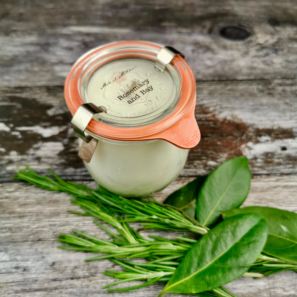 ROSEMARY AND BAY CANDLE