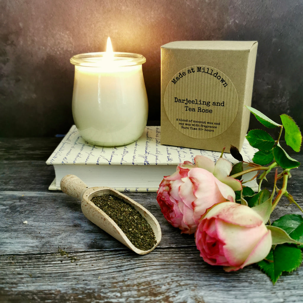 DARJEELING AND TEA ROSE CANDLE
