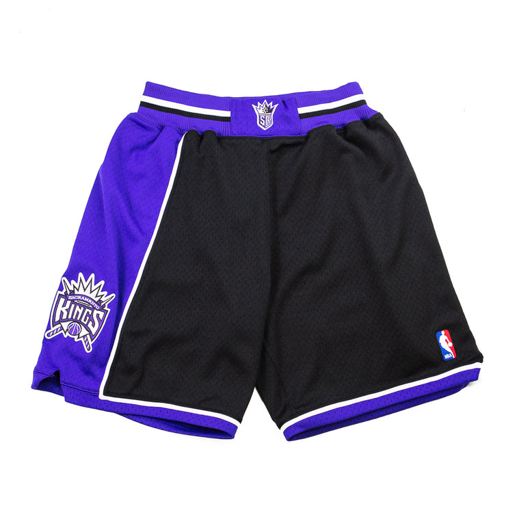 98-99 Sacramento Kings Shorts (Away)