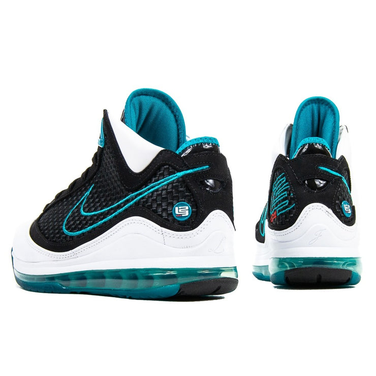 LeBron VII Retro QS (Red Carpet)
