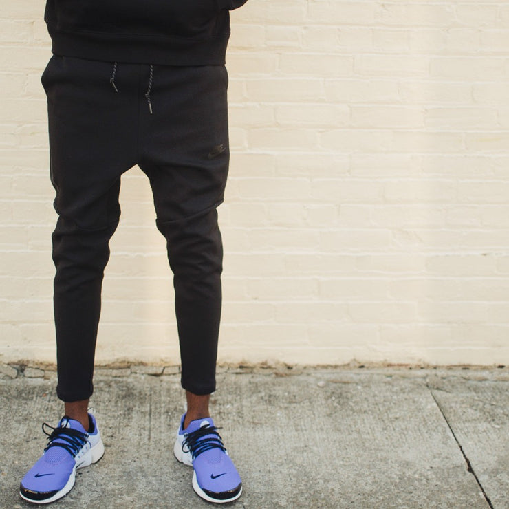 Tech Fleece Cropped Pant (Black)