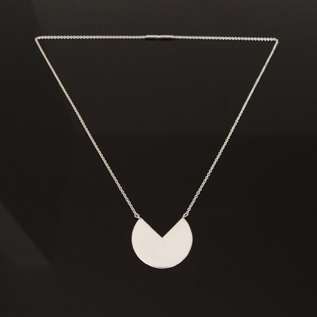 3Q necklace