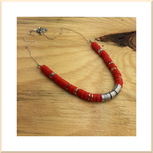Load image into Gallery viewer, 𝑪𝒐𝒍𝒍𝒆𝒄𝒕𝒊𝒐𝒏 HAWAI COLLIER perles HEISHI et hématite - ROUGE