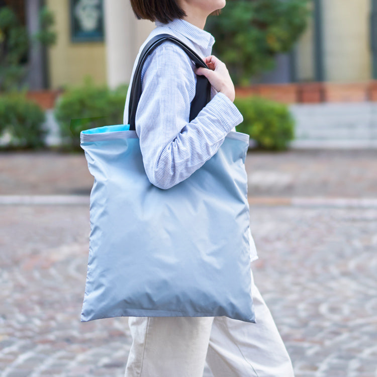 Light Shopper Tote Bag