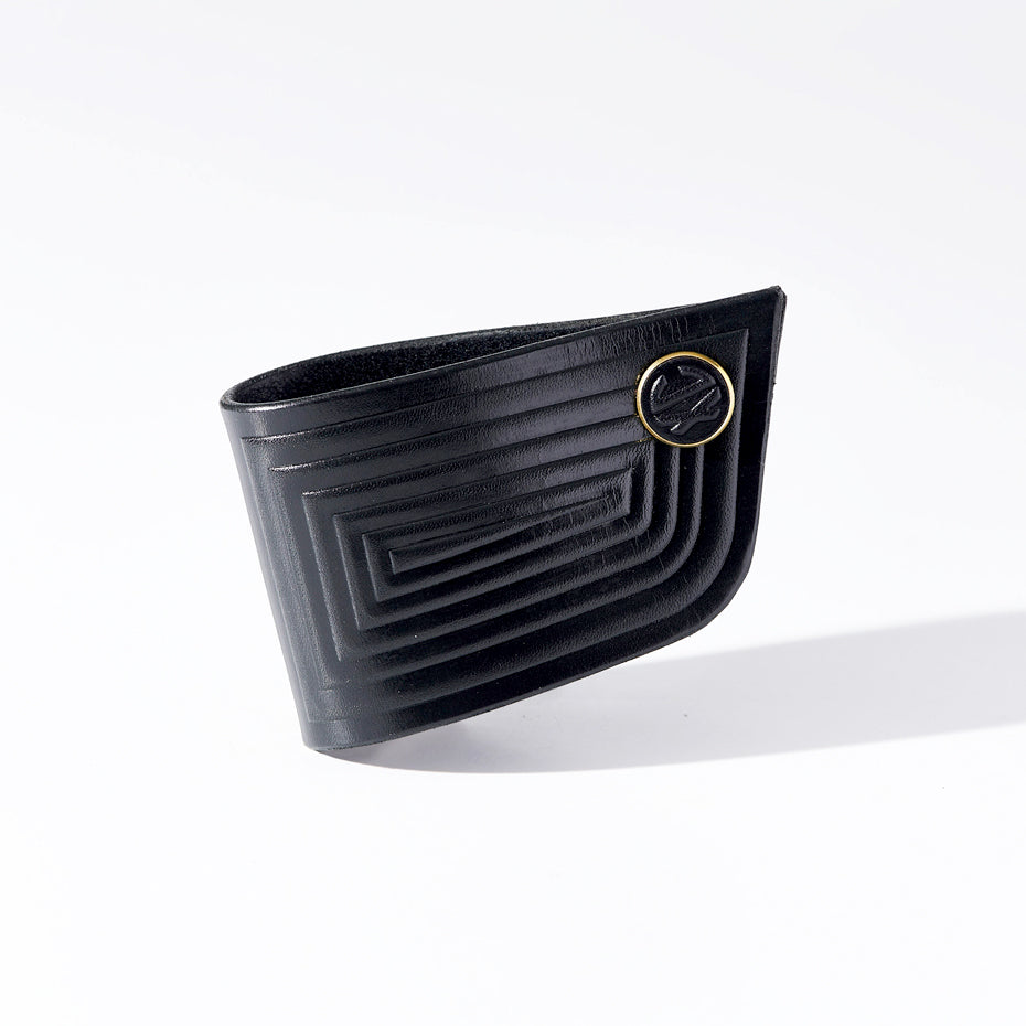 Cuff - Linear - Black - Small