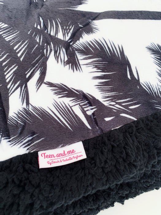 The Palm Cuddle Up Blanket
