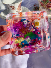 Load image into Gallery viewer, Rainbow Rabbit Square Ashtray