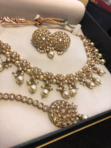 SWARA necklace set