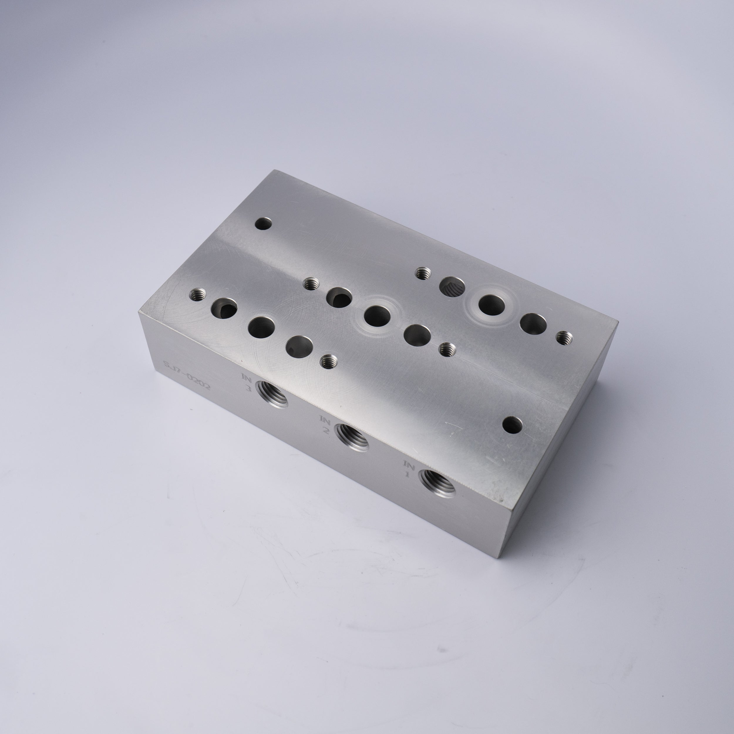 SJ7-0202 MANIFOLD BLOCK-ANODIZED - Mathers Controls