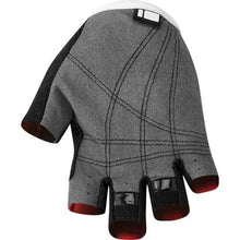 Load image into Gallery viewer, Madison Tracker Youth Mitts Rear