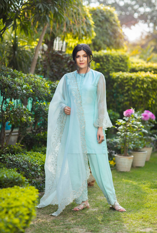 BLUE SHORT KURTA AND DHOTI PANT SET