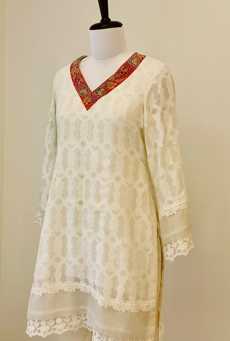 Off-White self texture cotton Kurta with lace work