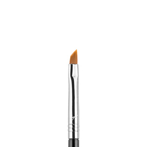 E06 Wingled Liner Brush