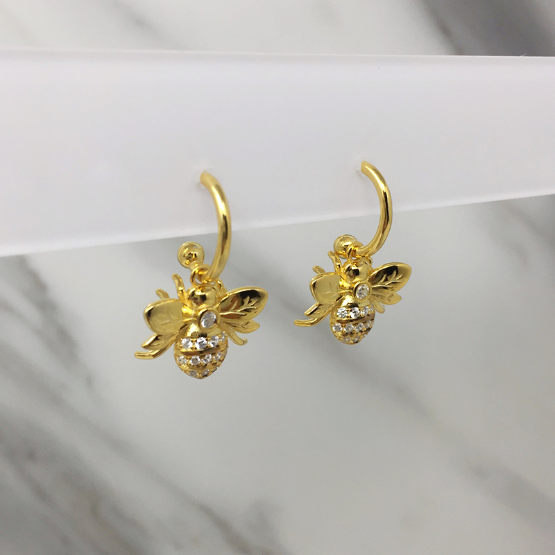 Aretes Bees