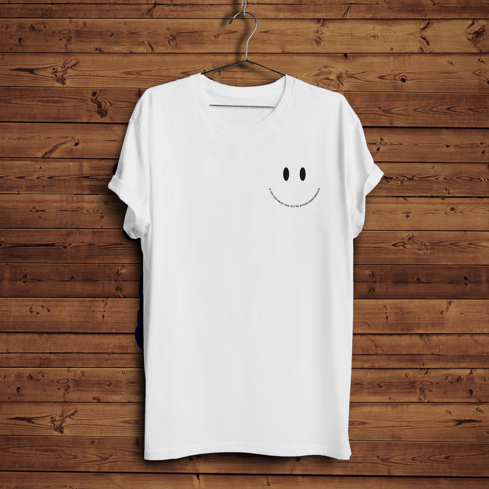 Too Close Smiley - T-Shirt (White)