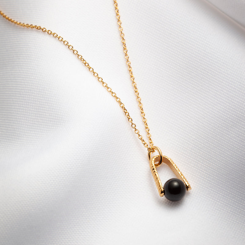 Modern black onyx necklace gold plated