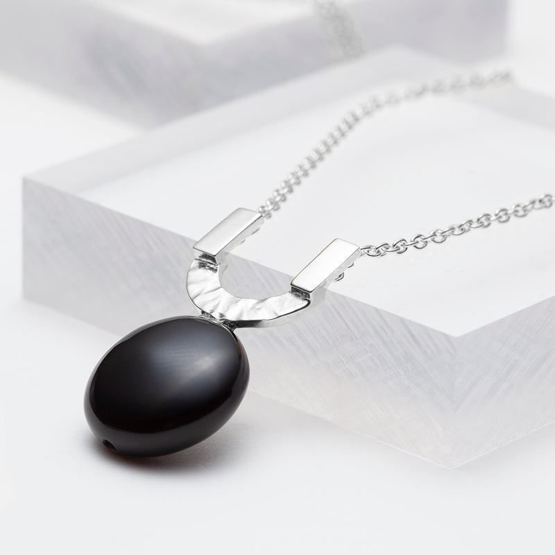Black onyx u pendant necklace in silver