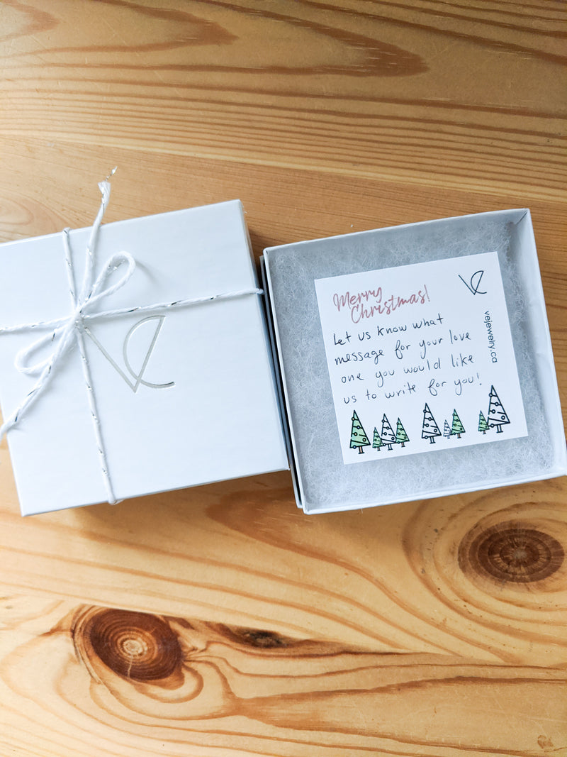 Ve Christmas packaging and free card