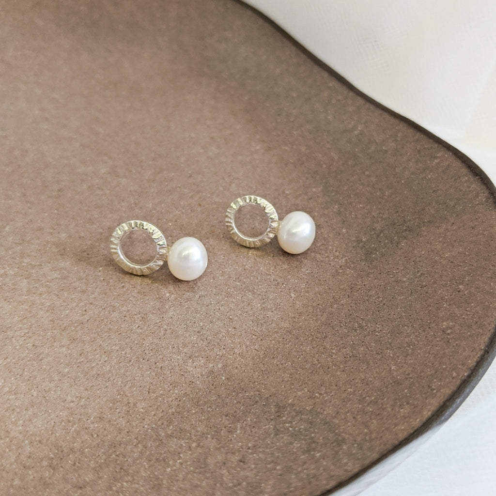Freshwater pearls sterling silver small circle textured stud earrings