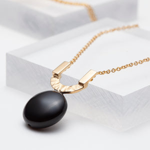 Gold vermeil hammered u pendant necklace with black onyx