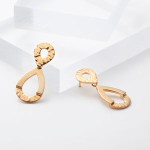 Elaine, gold plated infity earrings