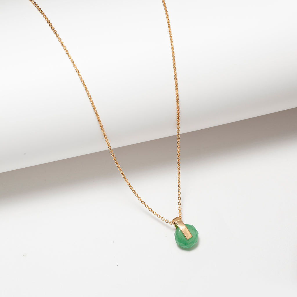 Aventurine circle and  bar pendant necklace in gold