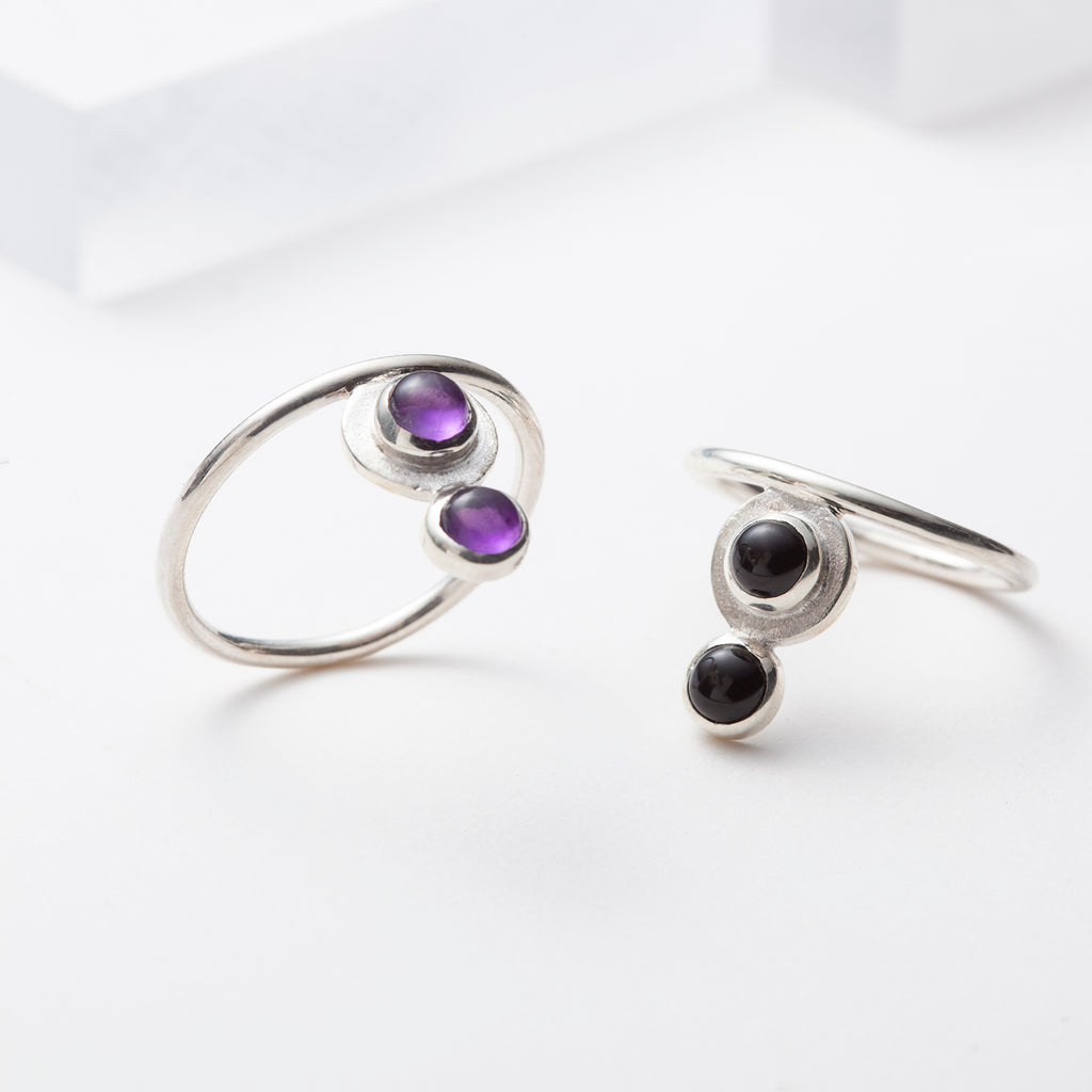Ariane, minimalist rings with onyx or amethyst