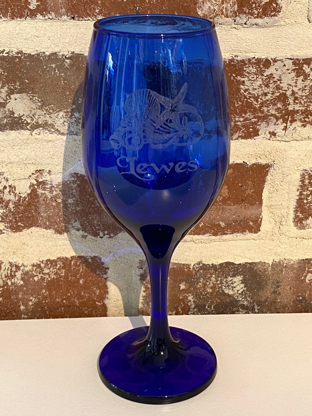 BLUE SHELLS STEM WINE GLASS