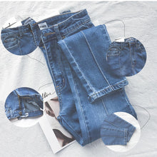 Load image into Gallery viewer, 70s Star Stitching Denim Flared Pants