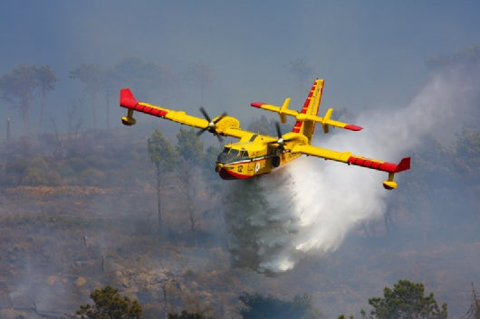 Canadair CL-415 Water Bomber 1/72 Aircraft Model Kit