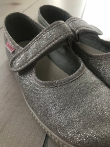 Cienta Silver Sparkle Shoes Size 2 EU34