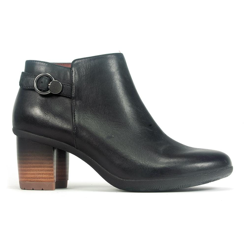 Dansko Perry Bootie | Women's Leather Heeled Bootie | Simons Shoes