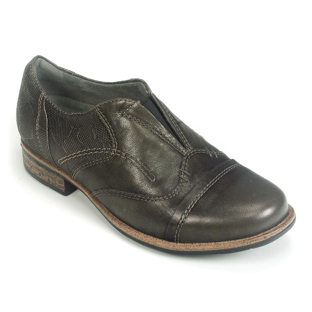 Earth Banyan | Women's Leather Slip On Oxford Shoe | Simons Shoes