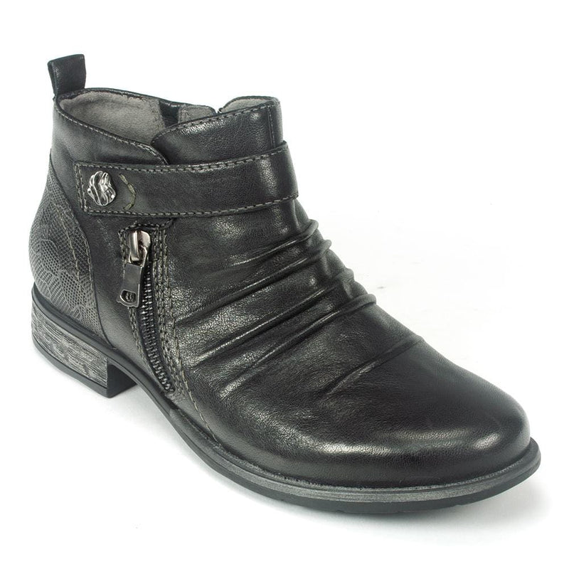 Earth Buckeye | Women's Leather Ruched Ankle Bootie | Simons Shoes