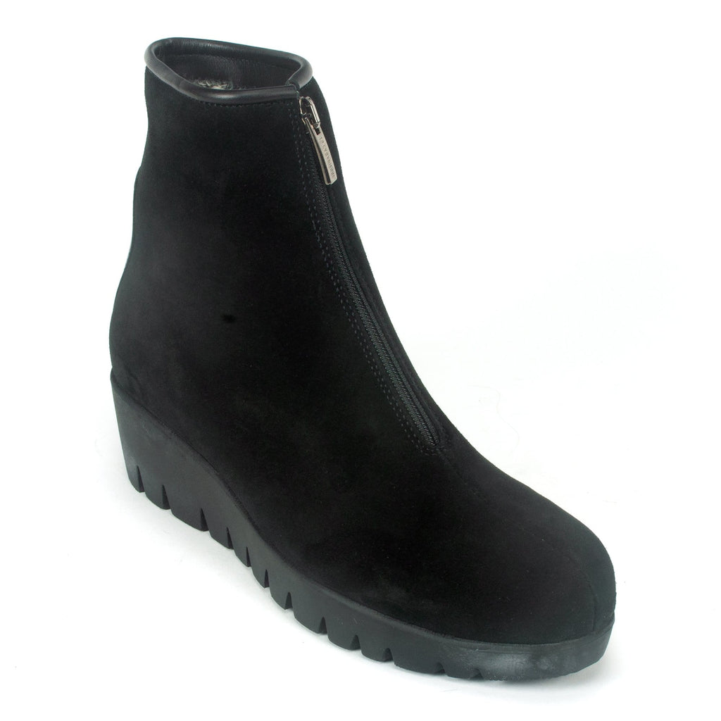 La Canadienne Trina Waterproof Boot Italian Suede Black | Simons Shoes