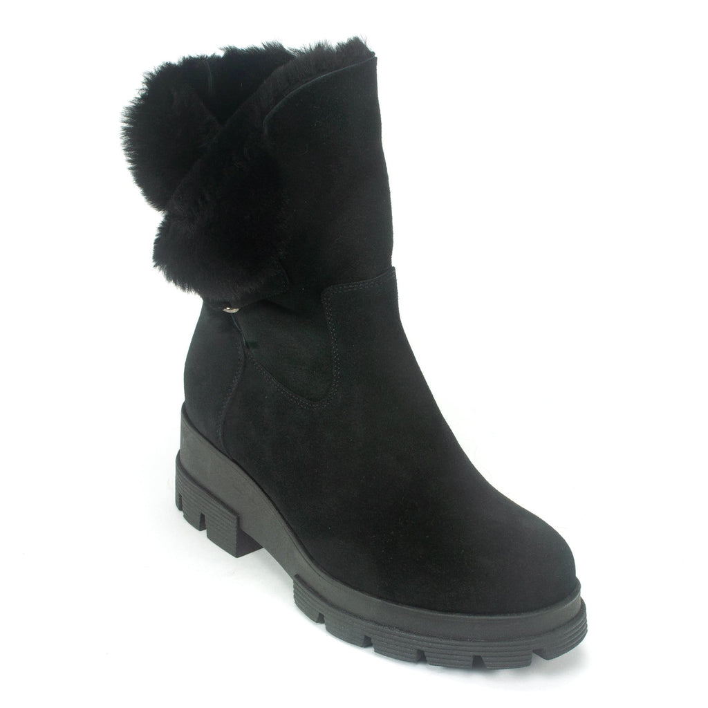 La Canadienne Zendaya Waterproof Women's Suede Boot Black | Simons Shoes