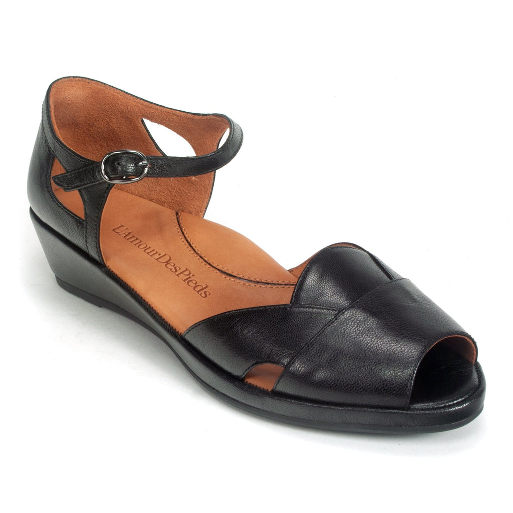 L'Amour Des Pieds Betterton Womens Wedge Leather Sandal Black Capri Kid | Simons Shoes
