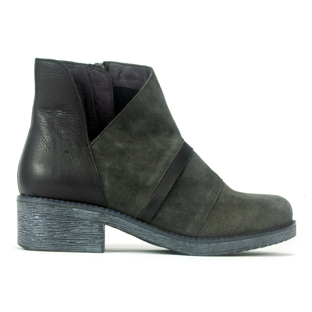 Naot Emerald Women's Stylish Leather and Suede Bootie NQZ Midnight Black | Simons Shoes