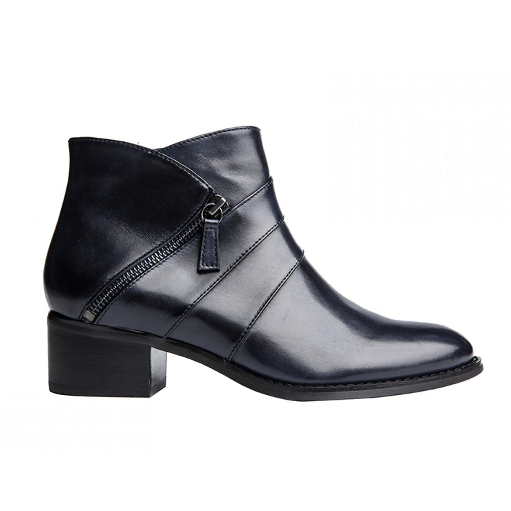 Regarde Le Ciel Lauren 15 Black Ankle Bootie | Simons Shoes