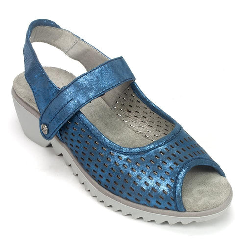 3820 Low Wedge Sandal