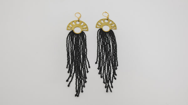 Moon phase fringe earrings 'ECLIPSE'
