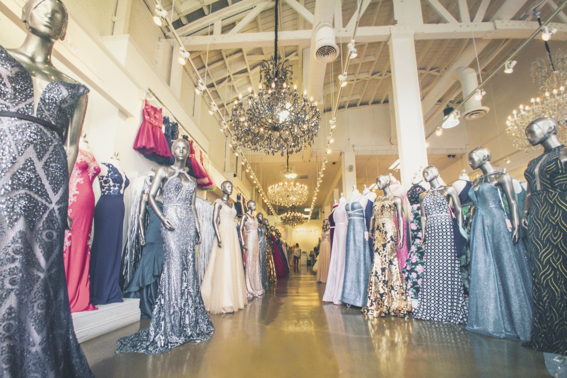 Benefits of selling top quality dresses in your boutique