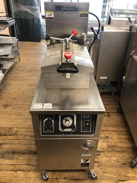 Reconditioned/Used: LGF-F, Gas Pressure Fryer, BK Industries